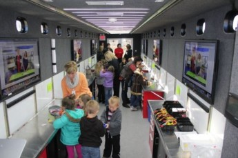 STEMmobile-students-625x416